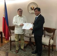 H.E-Ambassador-Songkane-LUANGMUNINTHONE-had-courtesy-call-H.E-Teodoro-Locsin-Jr.-Secretary-of-Foreign-Affairs-of-the-Philippines
